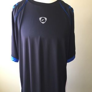 NWT men's LSONG-FIT athletic tee.